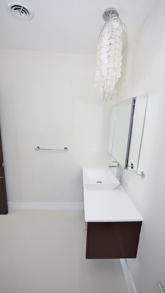 SOUTH BED ROOM BATH- VANITY AND ACCESORIES