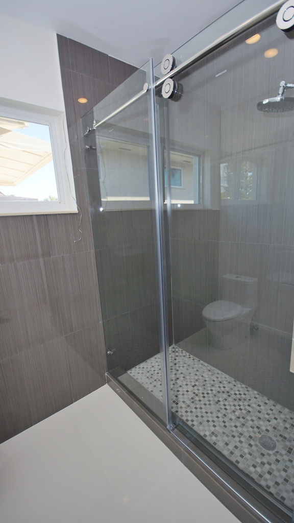 SOUTH BED ROOM SHOWER FOR LISTING